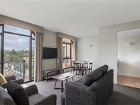 1 Bedroom Apartment - Mantra on Jolimont Melbourne